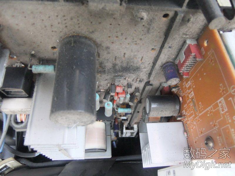 电视机颜色不对,显像管被磁化 消磁电阻惹的祸