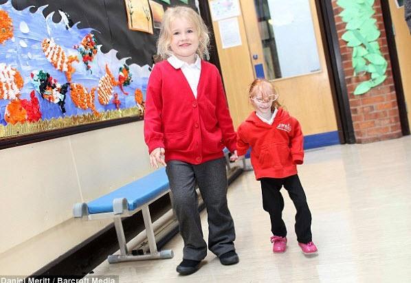 世界上个子最小的女孩夏洛特 盖尔塞德本月终于上
